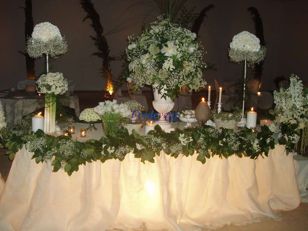 Decoracion salon boda trendy decoracin de salon de bodas for Arreglos florales para boda en jardin